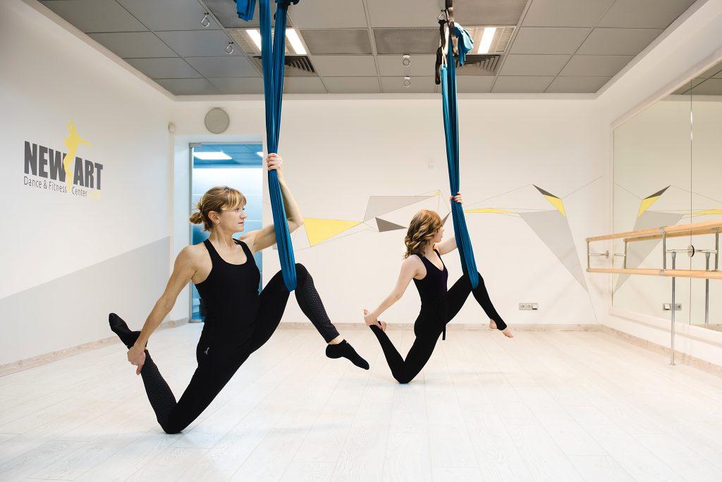 Уроки fly йоги в Киеве - Студия танцев и фитнеса New Art